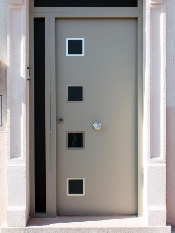 Puertas residenciales. Modelo Evol 4w