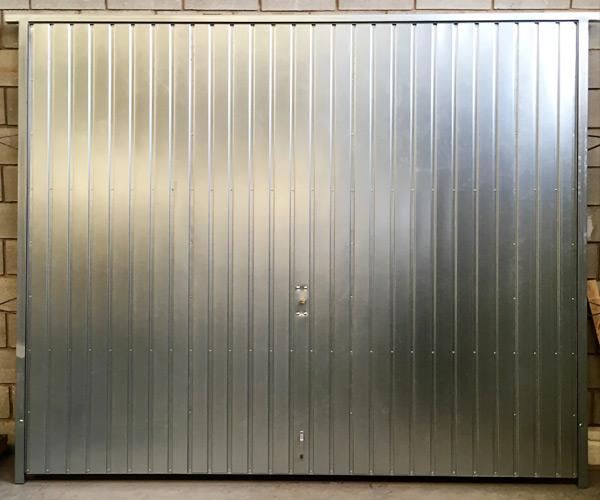 Puerta de garaje basculante