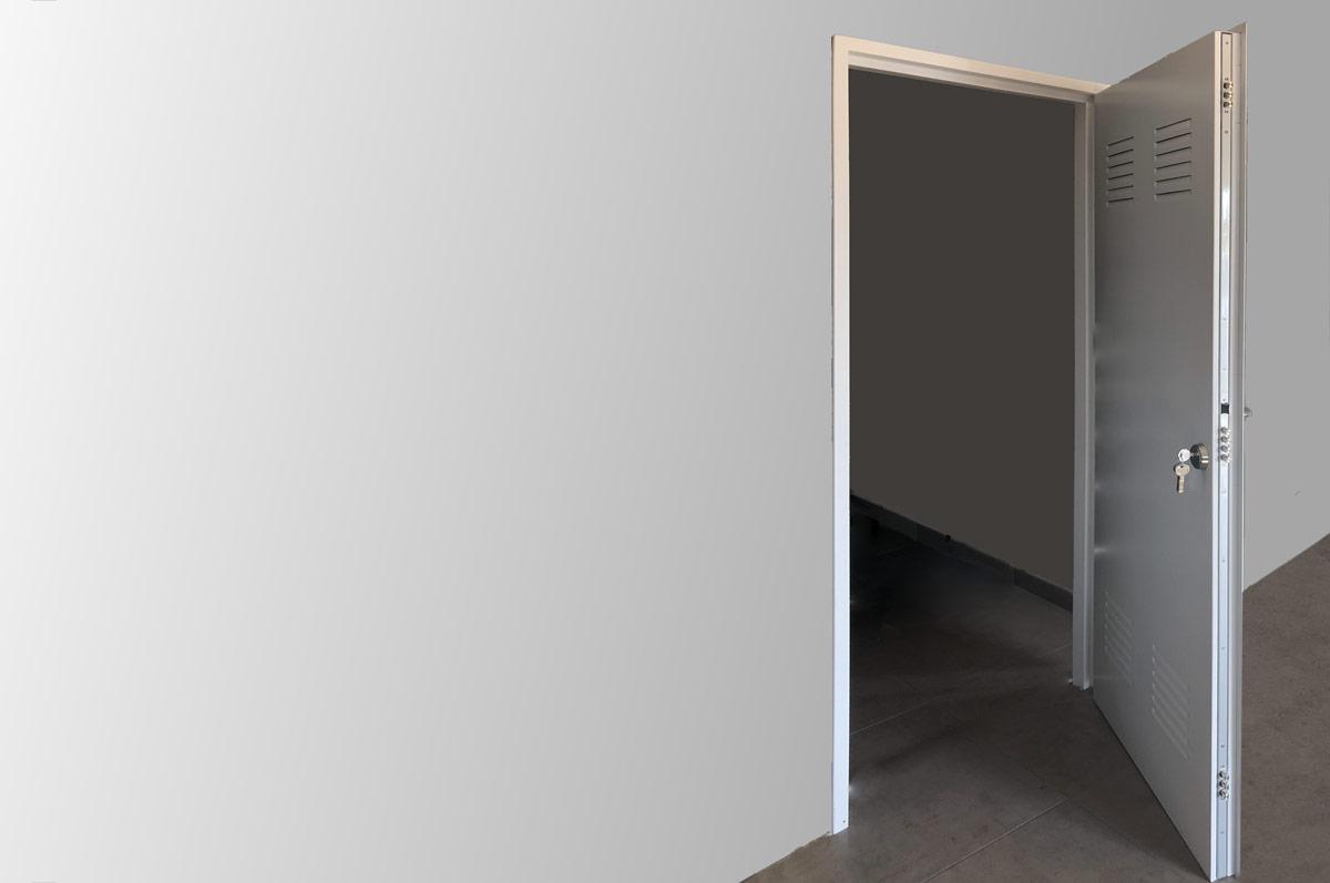 La puerta HÉRCULES es una puerta Multiusos de GAMA MUY ALTA